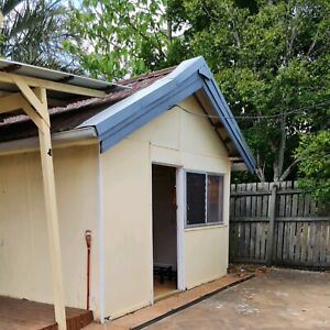 SLEEPOUT WITH SEPARATE BEDROOM INCL POWER AND NBN. Available 8/11/2020