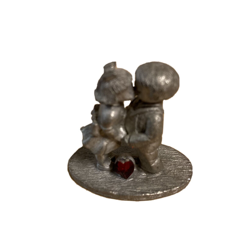 Spoontiques Pewter # 1050 Boy Girl Kissing young couple red Stone love heart