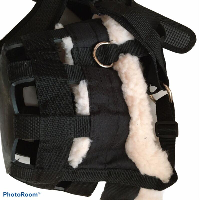New Blk Shires Deluxe Comfort Grazing Muzzle For Horses.Adjustable, fleece lined