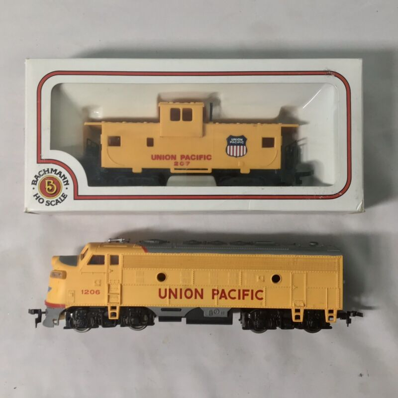 """BACHMANN """"HO"""" Gauge Union Pacific #1206 Locomotive & #207 Caboose~Tested & Works"""