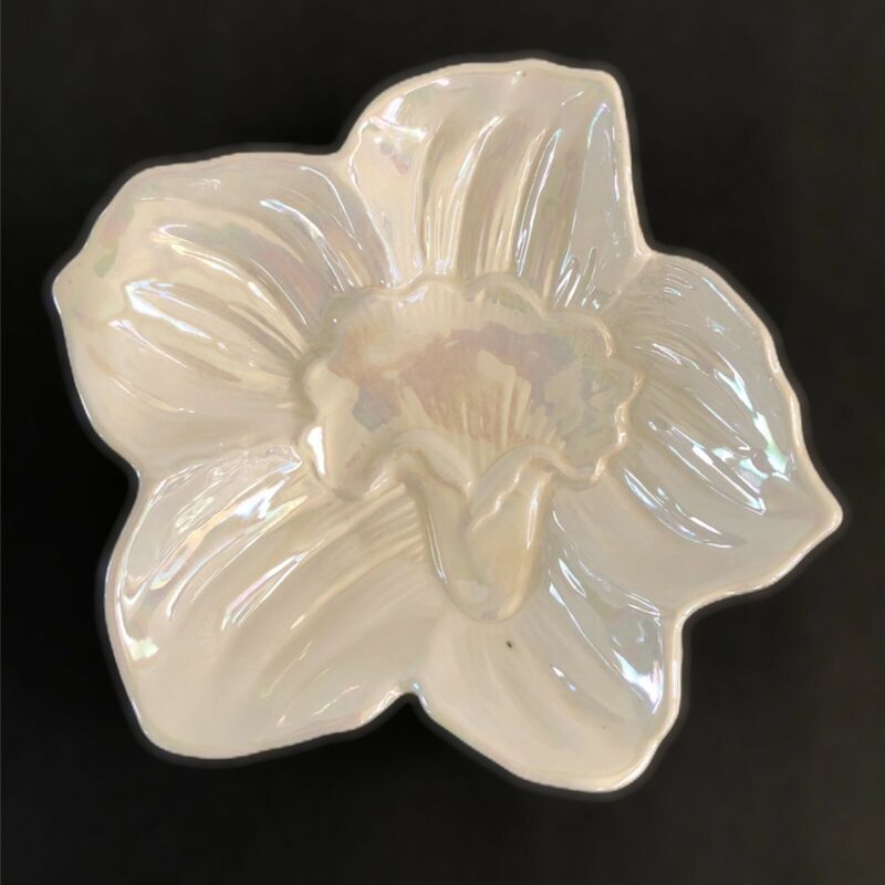 Vintage CALIFORNIA USA Pottery Pearl Irredescence Flower Bowl Candy Dish 2204