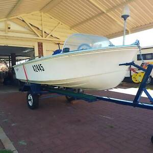 4m savage runabout with 15 hp motor   Motorboats