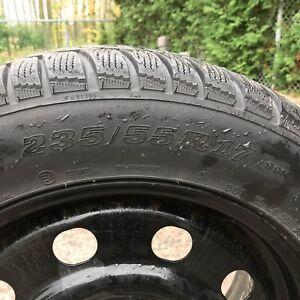 Ensemble de quatre pneus 17 pouces Dunlop d'hiver avec jantes