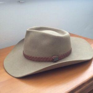 f53ce36661c akubra hat