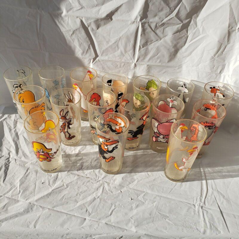 Set of 16 Vintage 1973 Looney Tunes Pepsi Cartoon Glasses-2 duplicates
