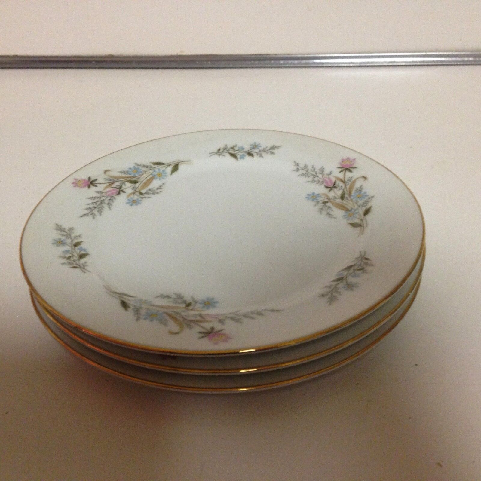 Mikasa Fine China Janet 4216 Beautiful Salad Plates 3 Ea 7