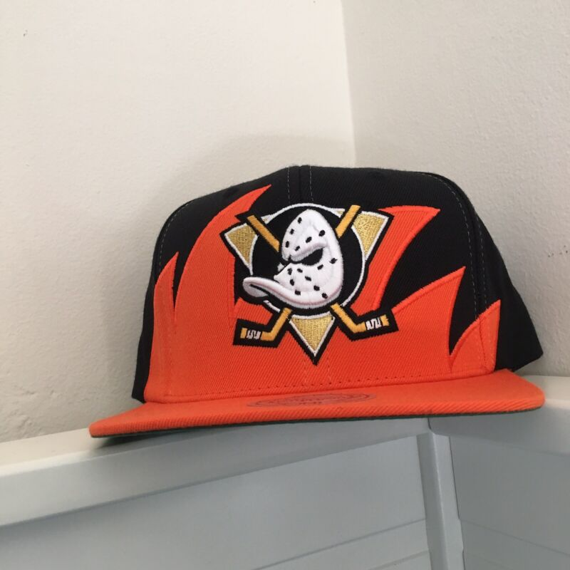 Mitchell And Ness Anaheim Mighty Ducks Sharktooth Black And Orange Snapback Hat