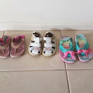 little girls sandals and thongs