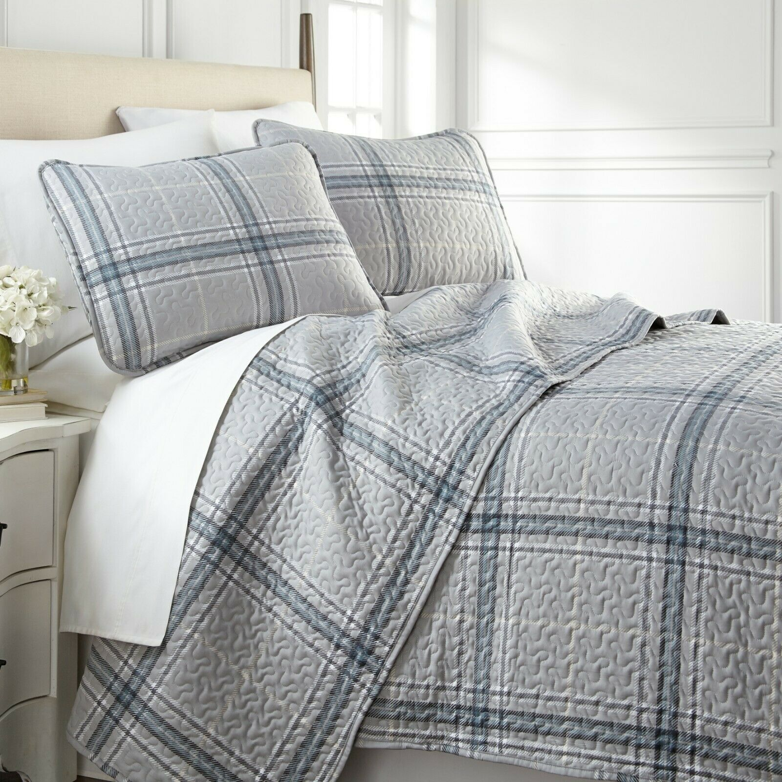 Vilano Plaid Reversible Lightweight Quilt Sets