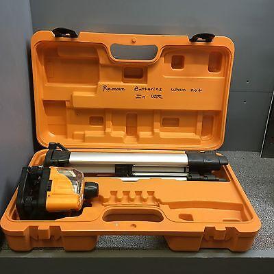 Johnson 40-0917 Hot Shot Laser Level With Tripod