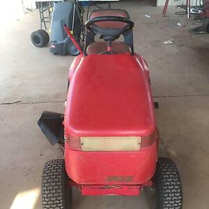 Low Hours Cox 16.5 HP Ride on mower Herbert Litchfield Area Preview