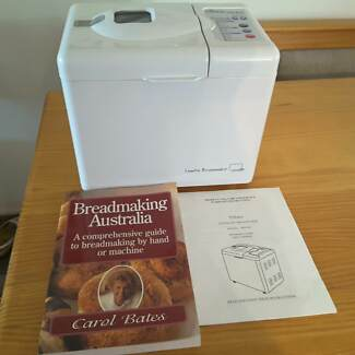 Tiffany breadmaker and cookbook