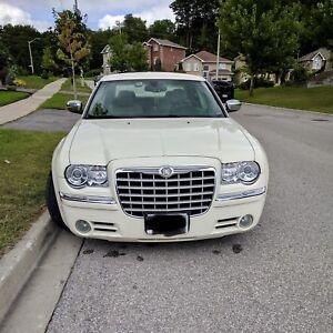 Chrysler 300c 2006.