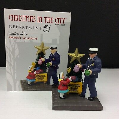 Dept 56 Christmas In The City Mitten Drive #4020178 NIB