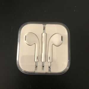Apple earphones brand new