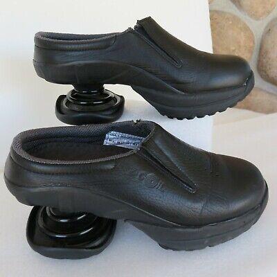 EUC Z-Coil Taos Mules Clogs Wo's Leather Black Comfort Shoe Slip On~Coils Sz W 7
