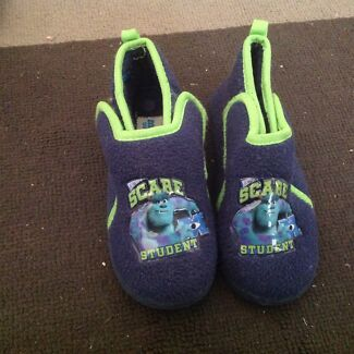 Boys slippers size 10 (children's)  Camden Park West Torrens Area Preview