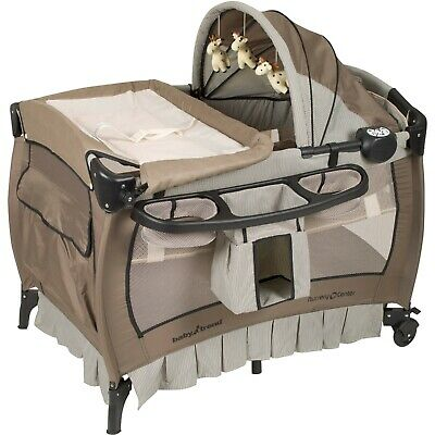 Crib and Changer Pack n Play with Sound Portable Baby Infant Bassinet Playpen Br