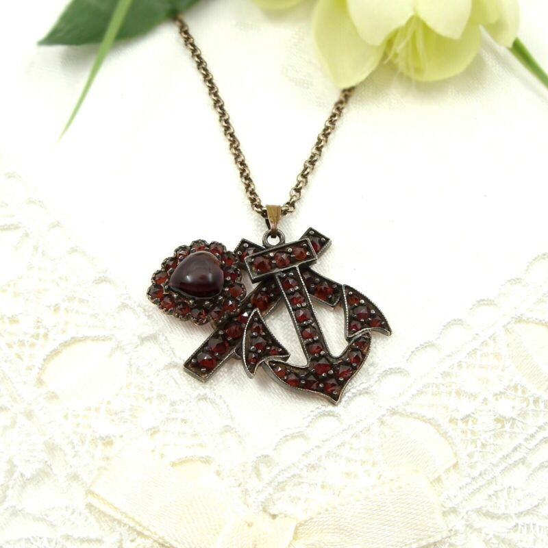 Vintage garnet pendant faith-hope-charity in Victorian style ГРАНАТ 181203c