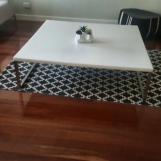 White coffee table 1m x 1m