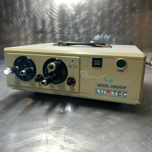 Luxtec 9300XDP Light Source by Integra for OR / Surgery / Doctors
