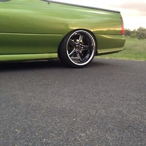 "Holden Vertini Drifts - Stagged 20"" Orange Orange Area Preview"