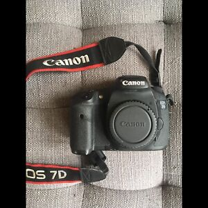 Canon 7D + Bag + CF Cards + Accessories