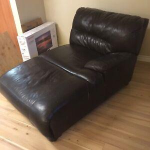 Longue chaise inclunable de sectionnel en cuir