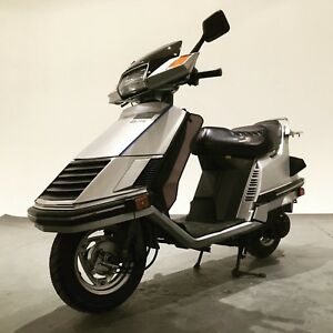 Honda Elite 150 1985 En SUPER état . Scooter .