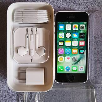 iphone 5c 8G as new unlocked with box & full accessories