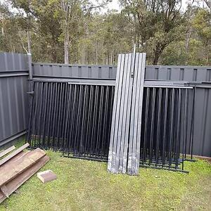 Pool fencing Thornton Maitland Area Preview