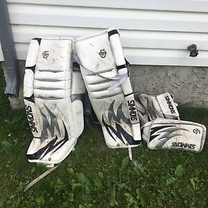 Simmons ultra 5 34+2 goalie pads + southpaw blocker and glove