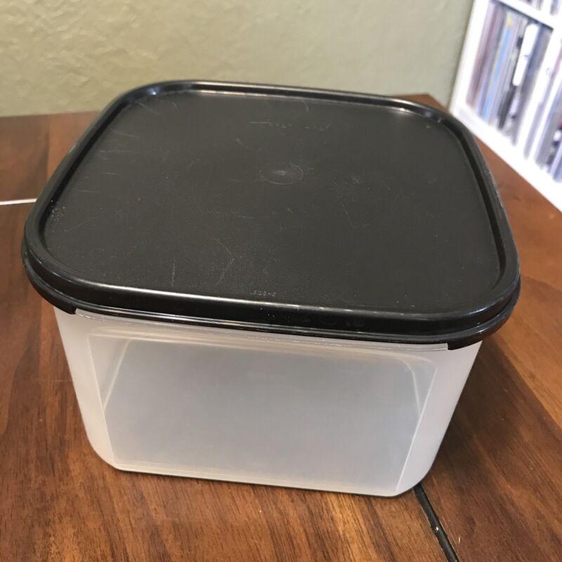 Tupperware 1620 Modular Mate 2 Sheer W/ Black Seal 11 cups EUC