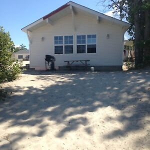 WASAGA BEACH COTTAGE RENTALS ON THE BEACH - 1 - 5 BEDROOMS
