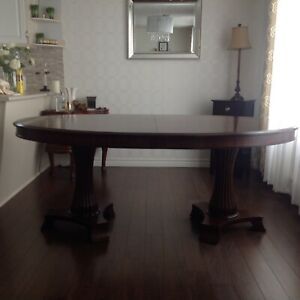Bombay  Pedestal  Dinning Table