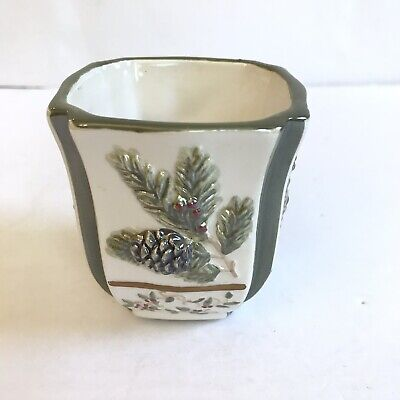 Votive Holder Christmas Winter YANKEE CANDLE Winter White Holly Pine Cone
