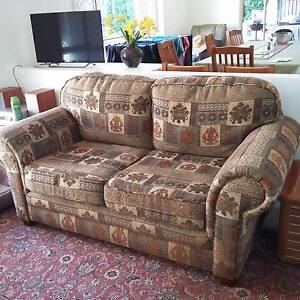 Luxurios matching sofas 1 x 2 seater, 1 x 2.5 seater Port Macquarie Port Macquarie City Preview