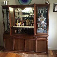 CABINETT and HUTCH WITH MIRROR BACKED BAR The Hill Newcastle Area Preview