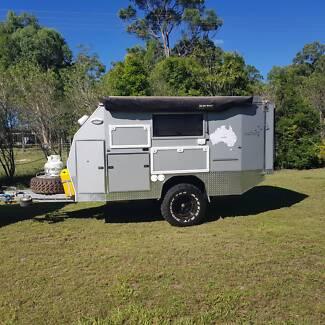 Off road poptop camper