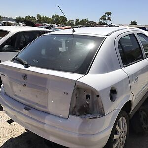 Holden astra 2002 wrecking all parts available Roxburgh Park Hume Area Preview