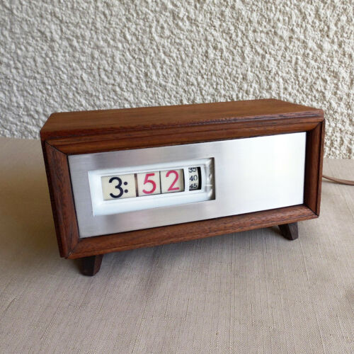 VINTAGE SETH THOMAS SPEED READ E037 ELECTRIC FLIP CLOCK BY PENNWOOD