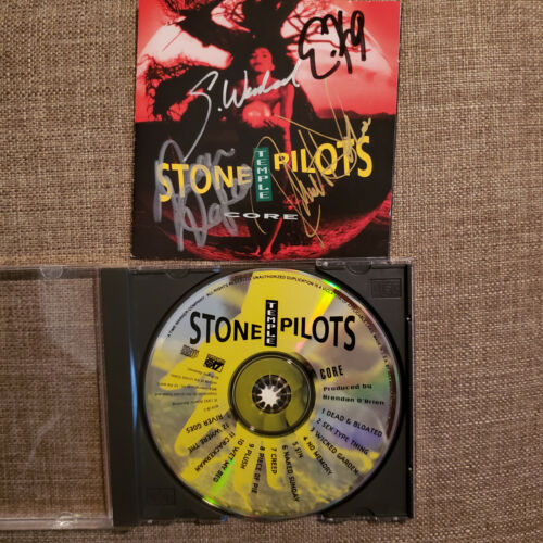 STONE TEMPLE PILOTS signed cd CORE - SCOTT WEILAND & 3 OTHER MEMBERS