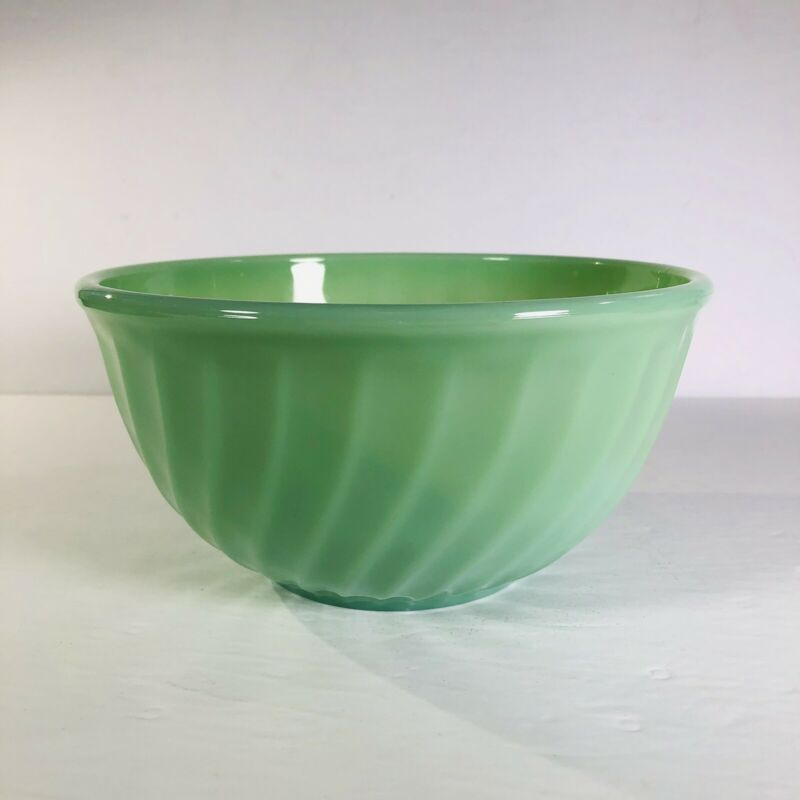 """Vintage Fire King Jadeite 8"""" Swirl Mixing Bowl GUC Vibrant Color And Shine!"""