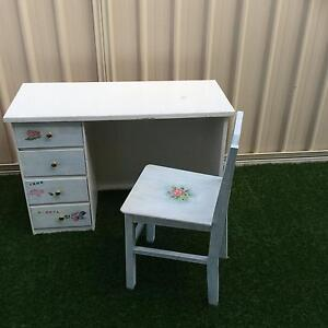 Wooden desk and chair Meadow Springs Mandurah Area Preview