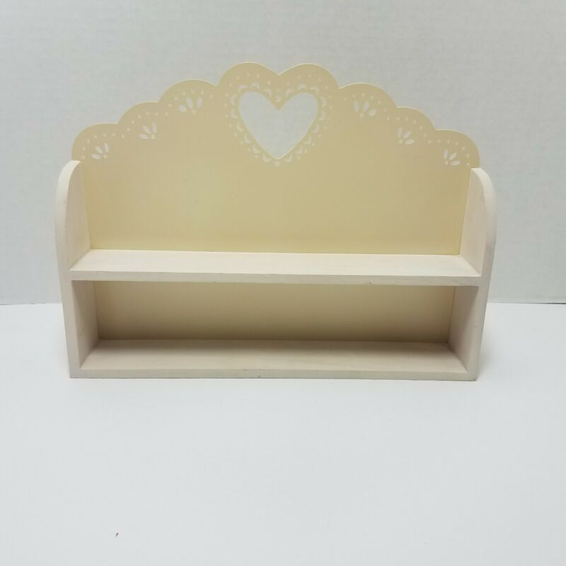 "Hallmark Merry Miniature Figure Off-White Heart Display Shelf 9.5"" Long 2002"