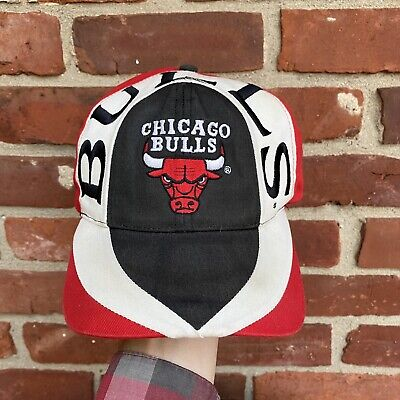 Vintage 1990s Chicago Bulls NBA Basketball Twin Spellout Wraparound Snapback Hat