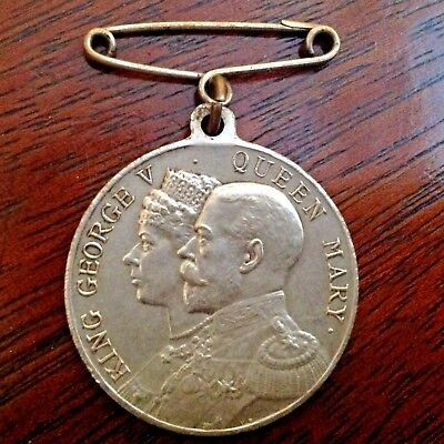 King George V & Queen Mary Silver Plated 1935 Daily Dispatch Birthday Club Medal