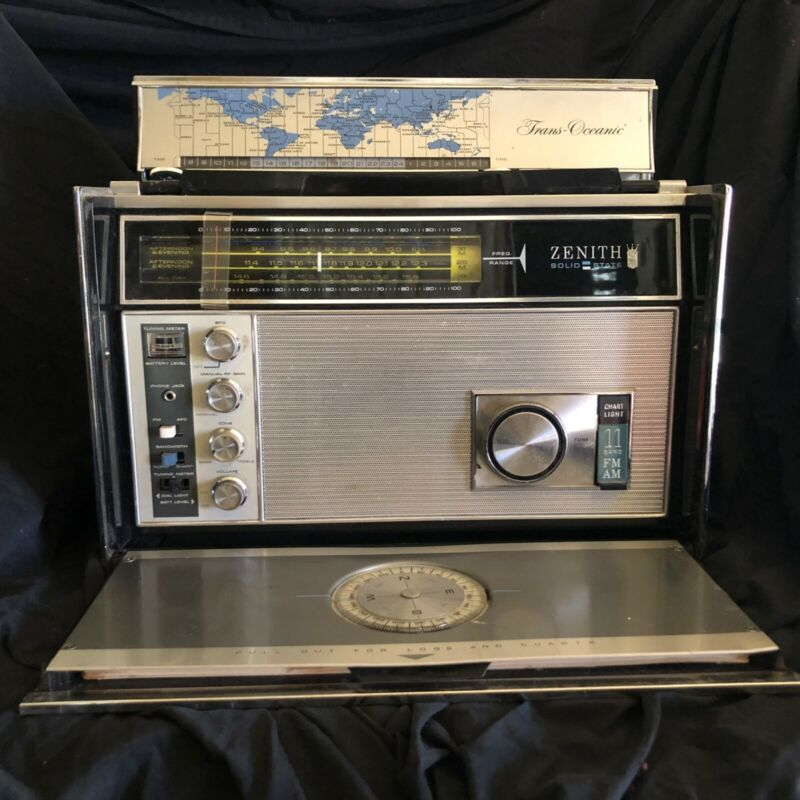 Zenith Royal 7000-1 Solid State Transoceanic Portable Radio (R-7000-1)
