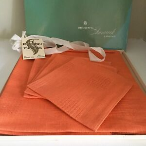 Vintage Irish Linen Table Cloth and Napkin Set