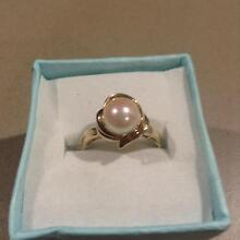 9ct gold fresh water pearl ring. Size K1/2. Eaton Dardanup Area Preview